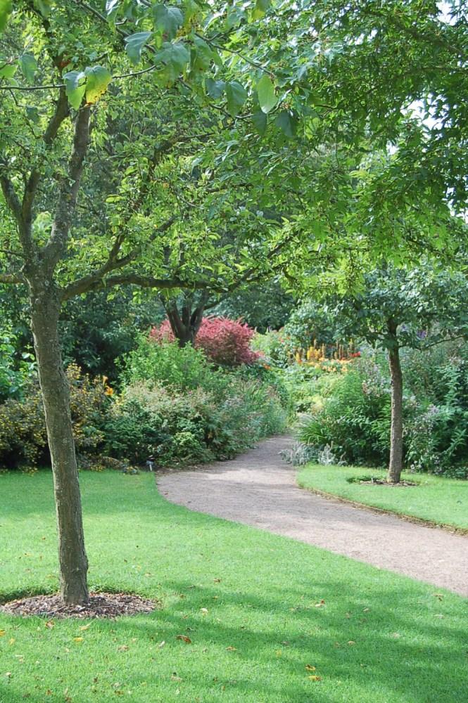 Barnsdale - a garden of memories (2/6)